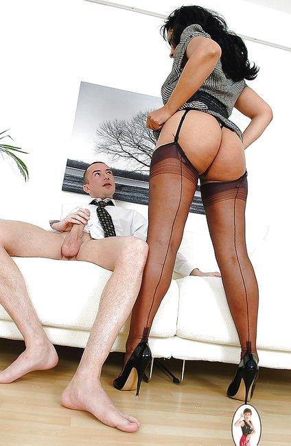 мужчина дрочит женщина смотрит фото