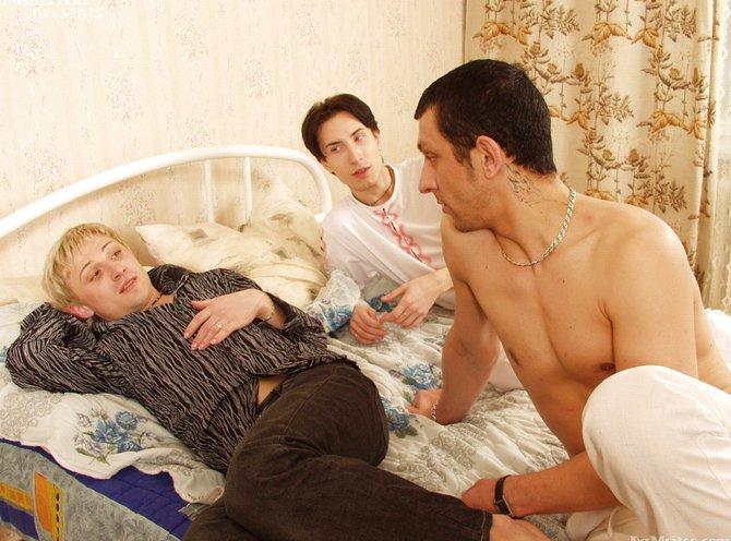фото занятий сексом втроем