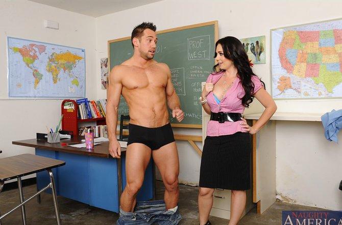 Ученик вытрахал учительку