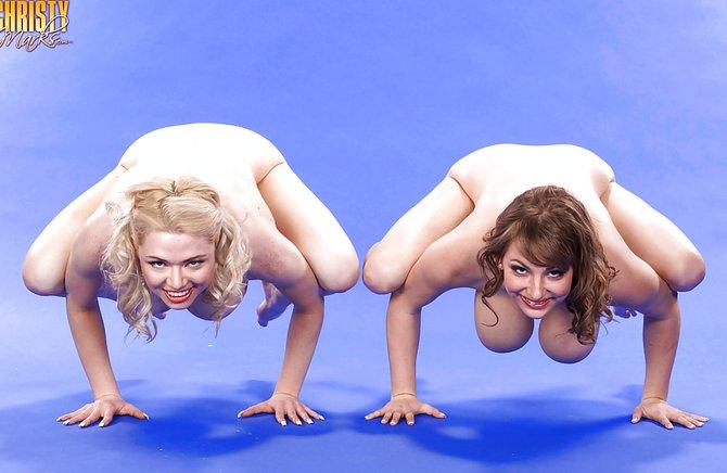 Порно без регистрации большие сиськи гимнастки 86010 фотография