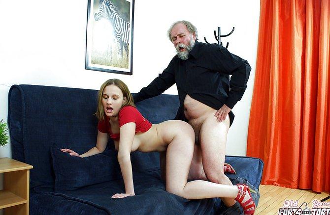 секс маленькой внучки с дедом