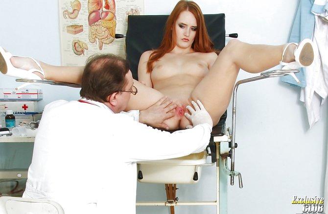 телки на осмотре у гинеколога фото