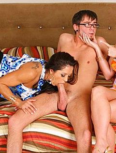 Молодых и ненасытных любовников застукали во время секса