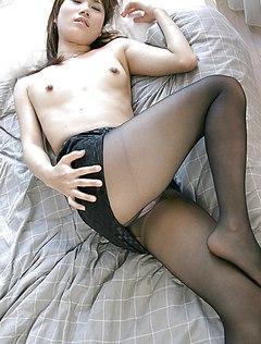 Корейская девушка показала трусики любовнику