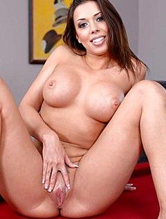 Сексуальная девушка с круглыми сиськами