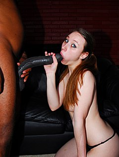 Девке понравился огромный черный хуй