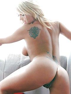 Тело красивой блондинки крайне сексуально