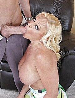 Грудастая отдается мужу ради его крупного пениса