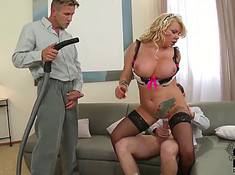 Муж трахает служанку вместе со своим напарником