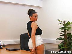 Смачные дойки секретарши