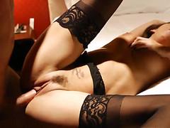 Стройной проститутке рвут киску