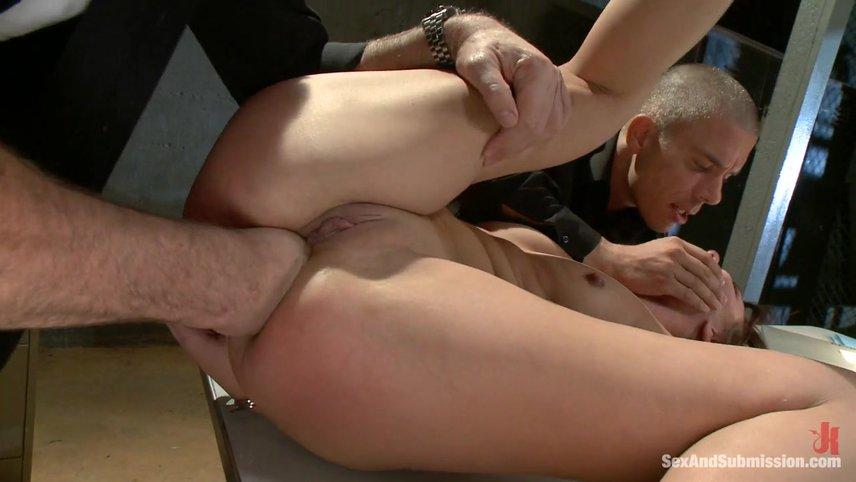 Анал порно инцест рука в жопе